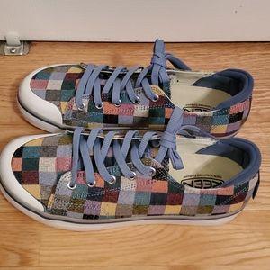 Keen Elsa III sneakers- size 8